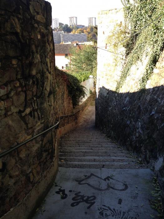 les escaliers cachés